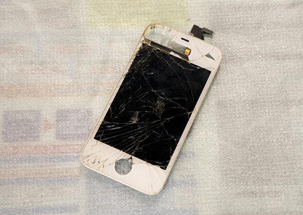 このようにiPhoneの液晶面を丸ごと交換できます