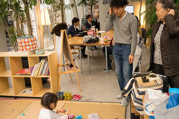 子どもだけの空間ではないのもしゅんさくの部屋の魅力