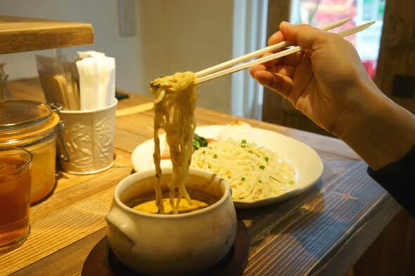 ココナッツミルクがまろやか~で脂っぽくも塩辛くもないからごくごく飲めちゃうカレースープ