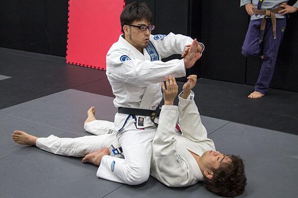 岩崎さんが技を分かりやすく説明してくれます2