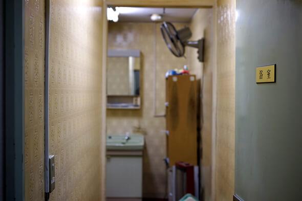 こちら浴室付きボウリング場となっております