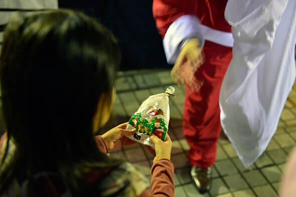 サンタからお菓子のプレゼント
