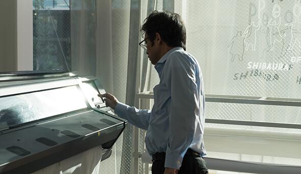 SHIBAURA HOUSEの巨大プリンターでイベントの横断幕作りに挑戦!