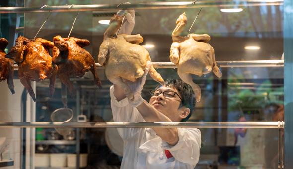 芝浦の「威南記海南鶏飯(ウィーナムキー ハイナンチキンライス)」で本場の味と圧倒的な開放感を楽しむ!